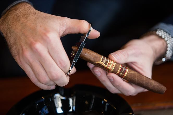 How to Properly Cut a Cigar - Windy City Cigars